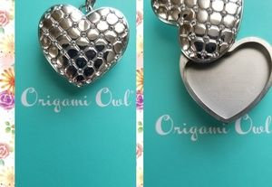 Solid heart locket